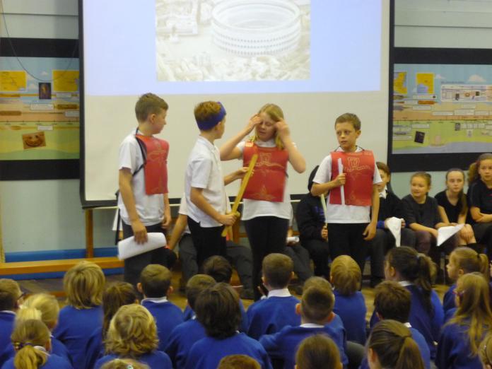 Minimum tells Claudius about Britannia.