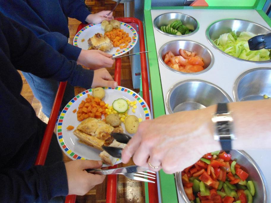 Gillian, Julie, Ruth & Peta prepare delicious meal