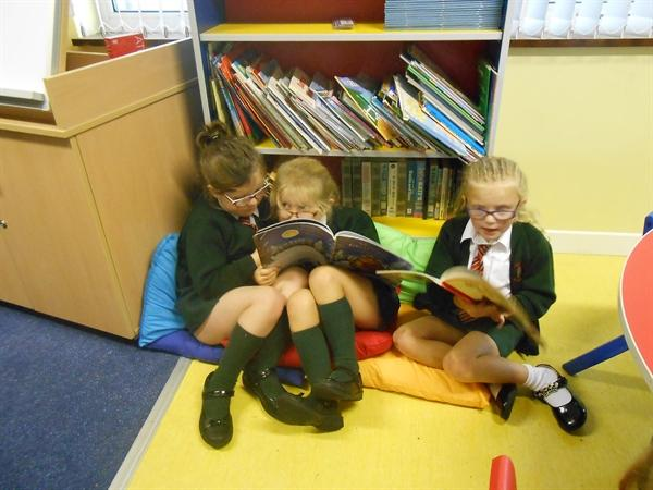 We love to read in Year 2
