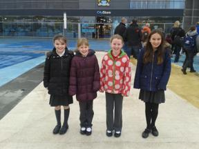 Cloverlea Girls Win Greater Manchester Swimming Gala!! 1