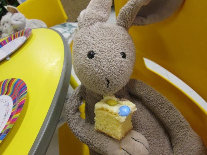 Roger likes cake!