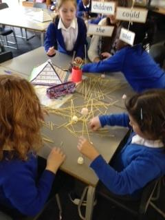 Spaghetti and marshmellow towers in 2A