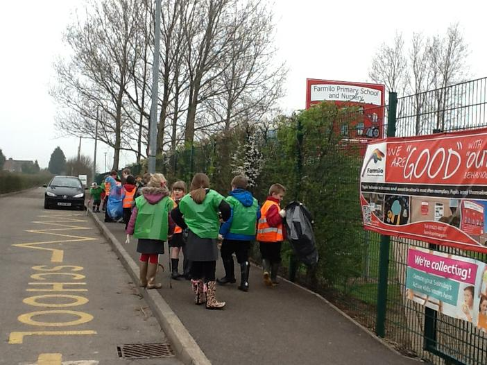 Cleaning up our local area with the help of Year 4
