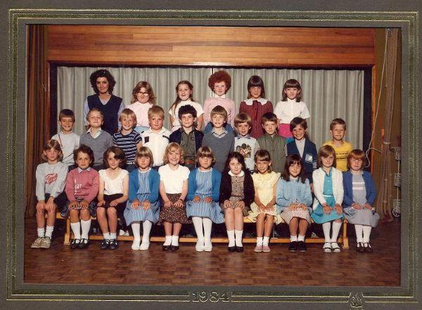 Class photo from 1984