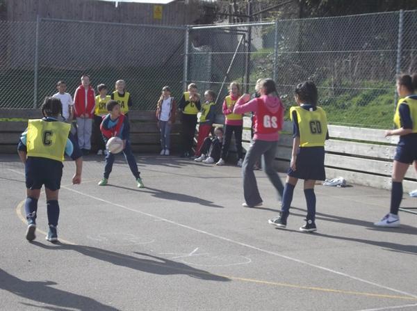 Year 6 netball tournament at Hatton School