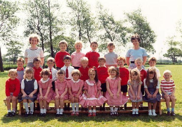 Class Photo from 1989