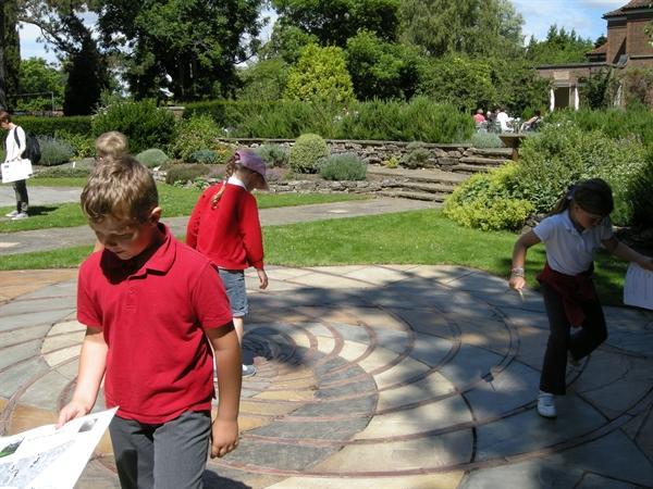 Maths fun at the Botanic Gardens