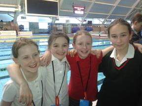 Cloverlea Girls Win Greater Manchester Swimming Gala!! 3
