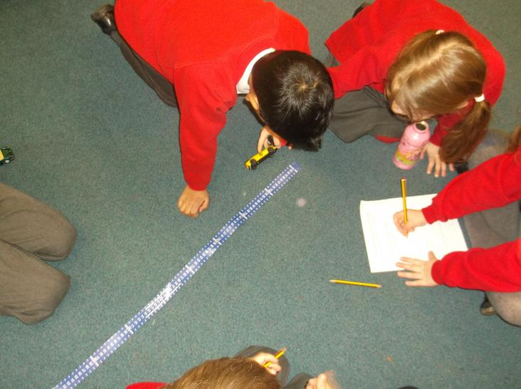 Measuring distance in cm.