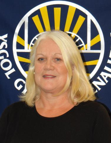 Mrs C Silcox - Ysgrifenyddes / Clerk