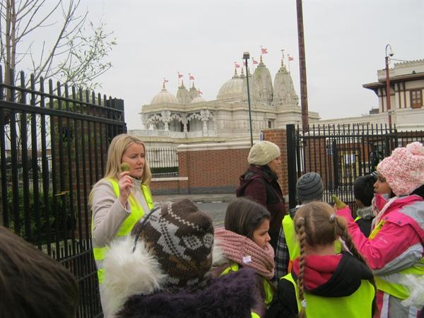 School journey to BAPS Shri Swaminarayan Mandir