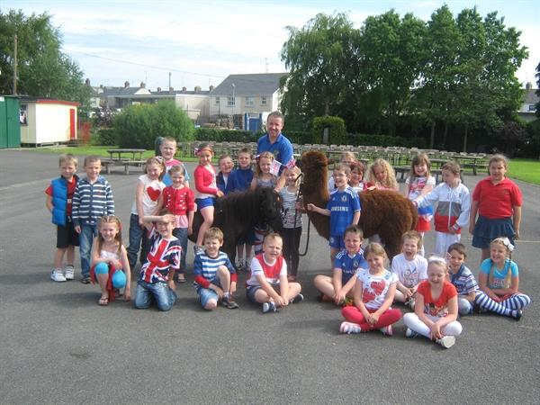 Jubilee Fun Day - Year 3A posing for a photo.