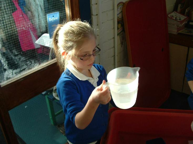 Measuring different amounts to make a litre