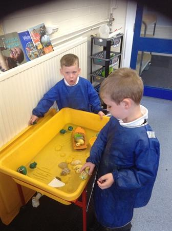 Singing time in the water tray!