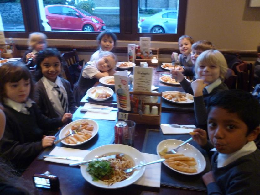 1G enjoying their dinner.