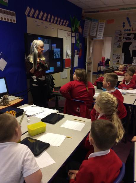 Nicola reading the story!