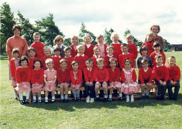 Class Photo from 1990