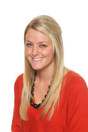 Mrs Holly Perry- Year 5 Teacher