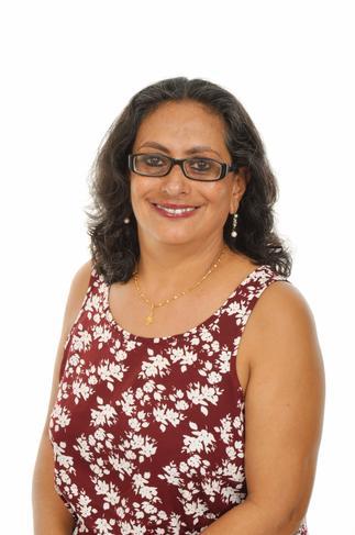 Mrs Arnavaz Bamji, Senior Teaching Assistant
