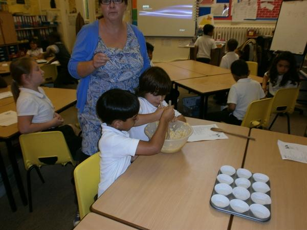 Following instructions to make cakes