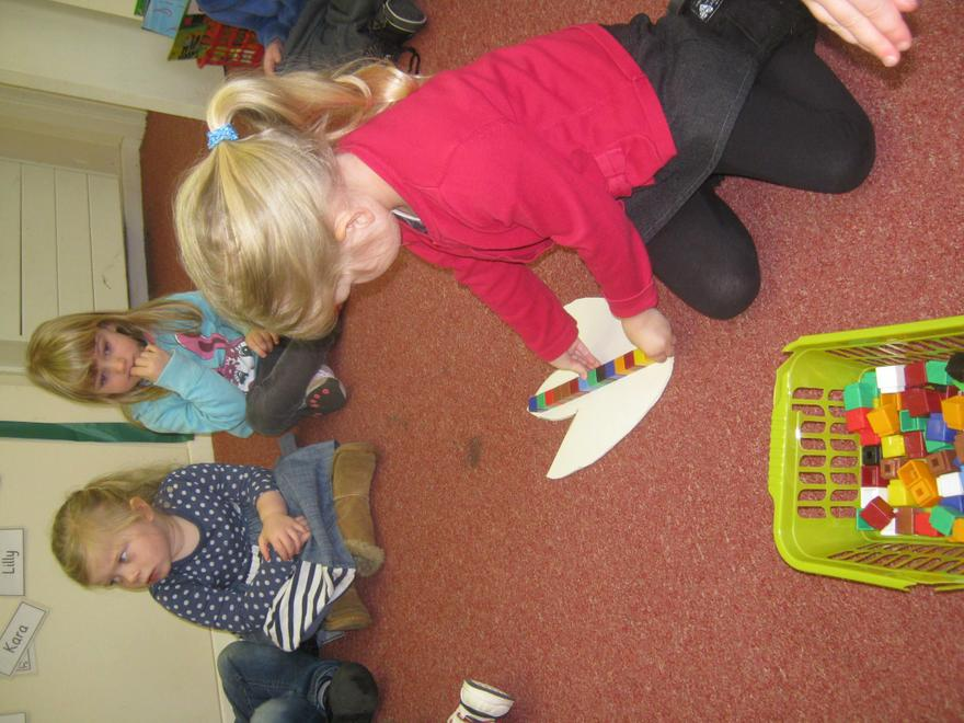 We used cubes to measure the size of the feet