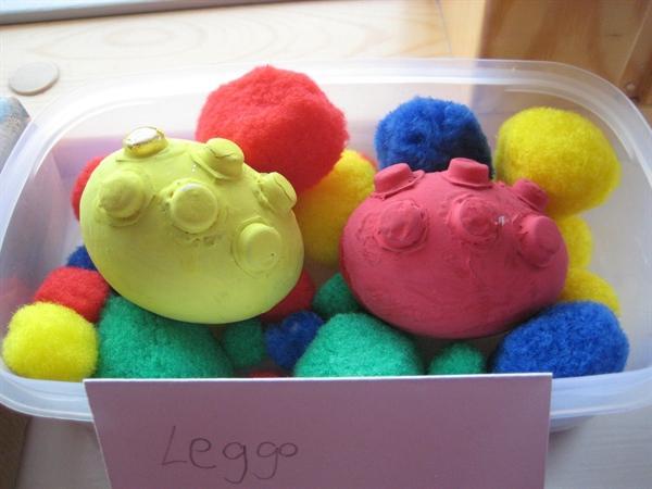 Alex's eggcellent leggo