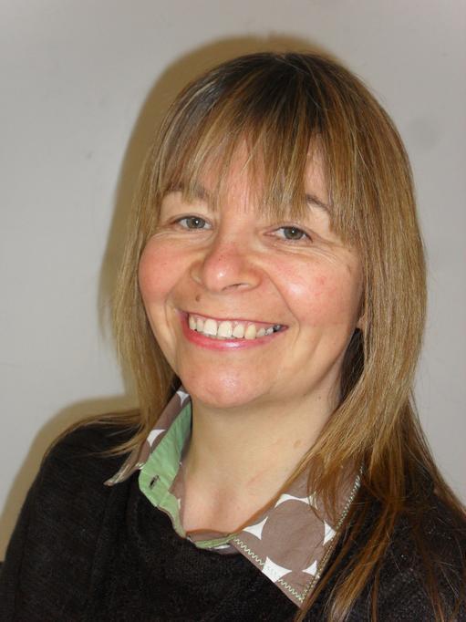 Paula Jones: Cyfnod Sylfaen/Foundation Phase