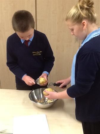 Peeling & cutting potatoes