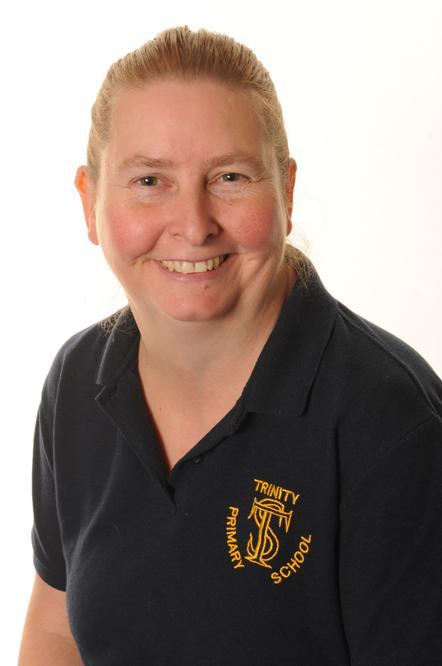 Mrs Z Edwards - Lunchtime Supervisor & Cleaner