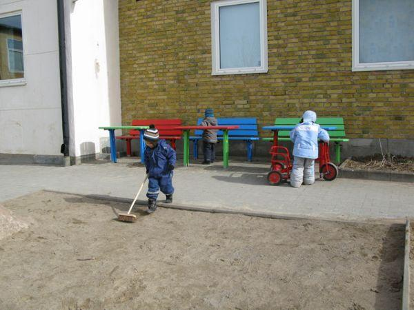 Ulriksberg pre-school children playing outdoors
