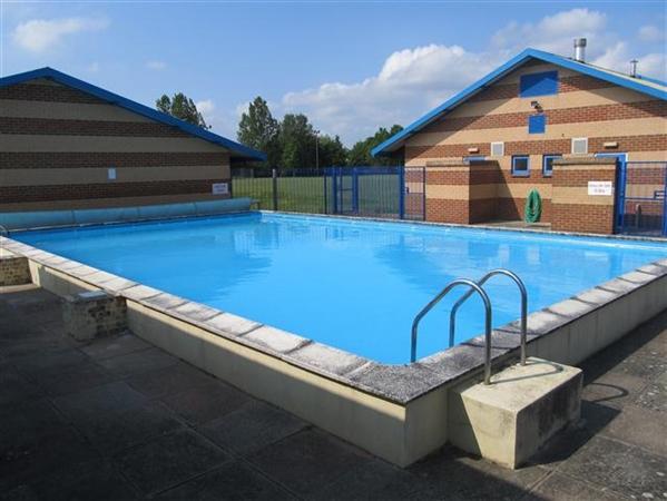 Community Room Swimming Pool