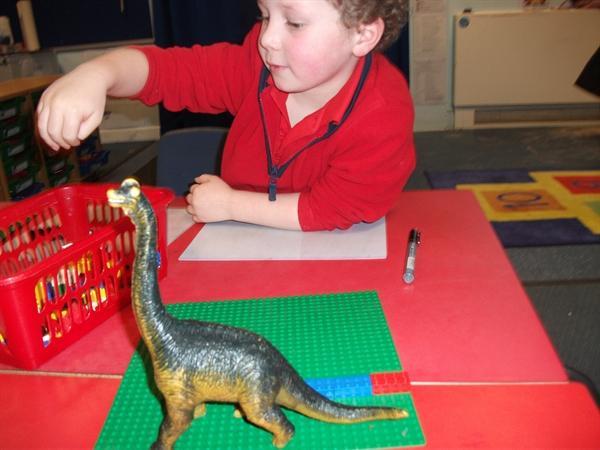 Measuring dinosaurs using bricks