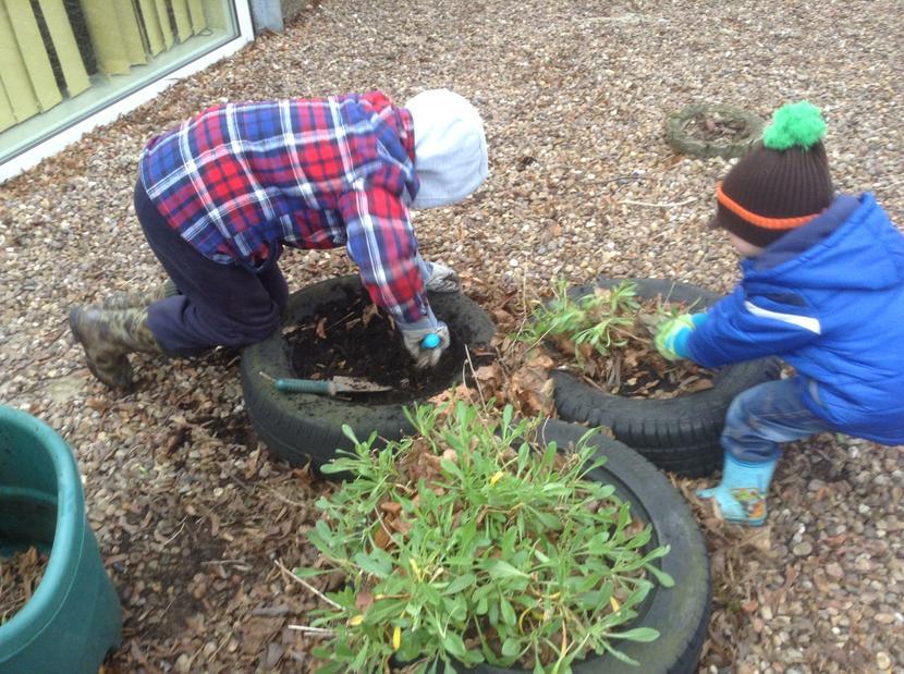 Weeding the tyres