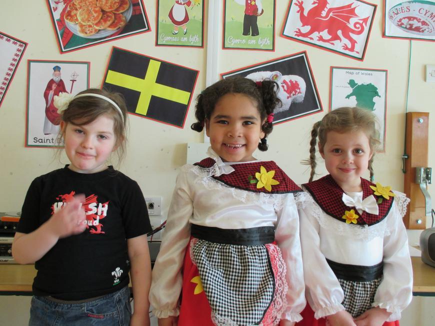 Art Reception - 1st Ruby, Jessica, Harriet