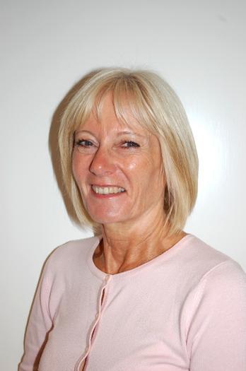 Mrs L Parkinson - Senior Lunchtime Supervisor