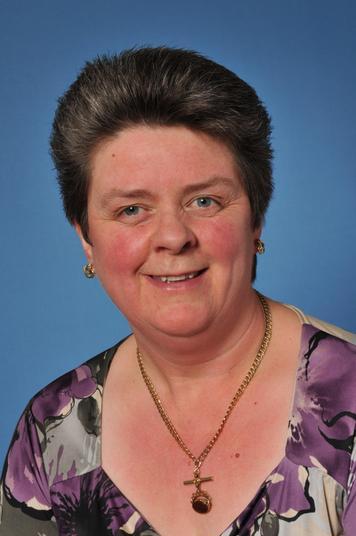 Mrs Davina McConnell