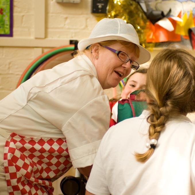 Mrs Bartlam - Breakfast Club Assistant/Midday Supervisor