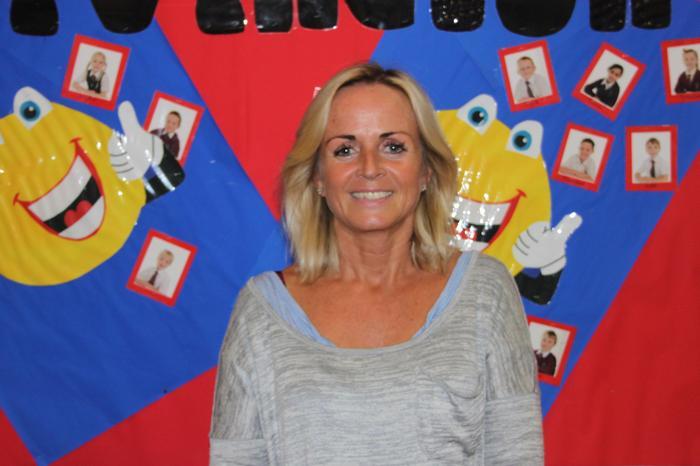 Mrs J Worthington -Lunchtime Supervisor /All Stars