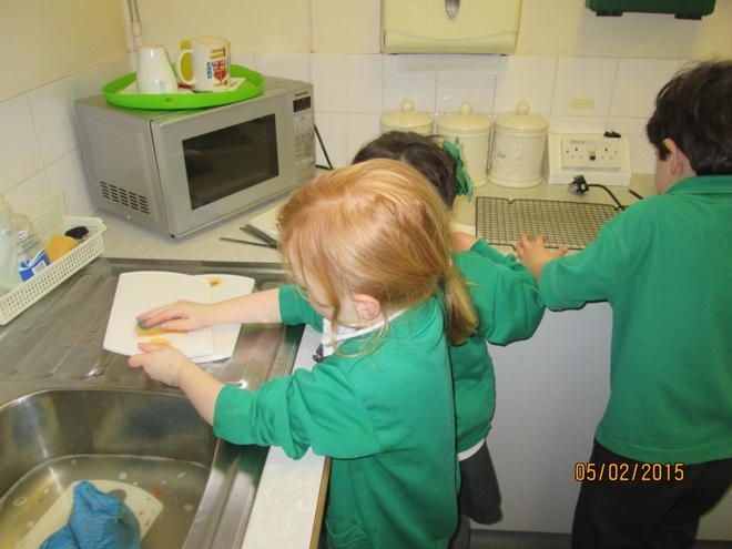 It's important to wash up after ourselves!