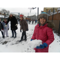 KS2_playtime_in_the_snow_(14).JPG