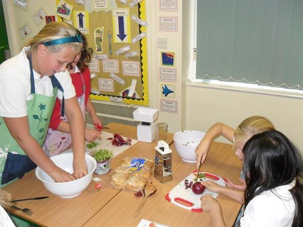 Key Stage 2 Cookery Club