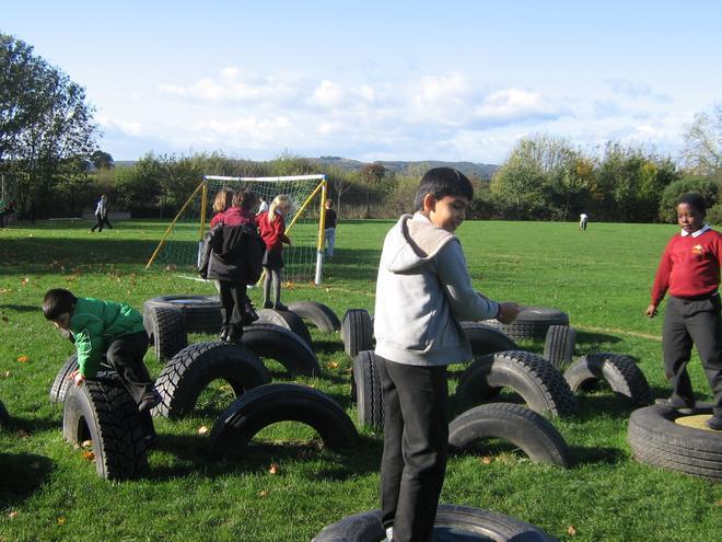 Play activities for children at breaks