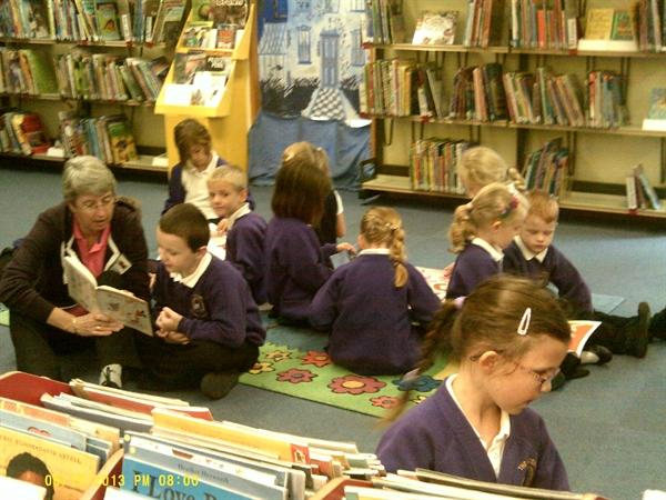 Visit to Carterton Library