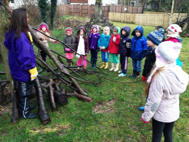 Looking at dens with Miss Eglin