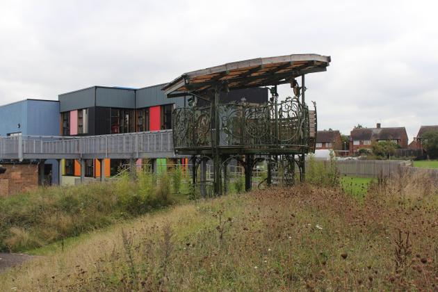 24 - Tree House