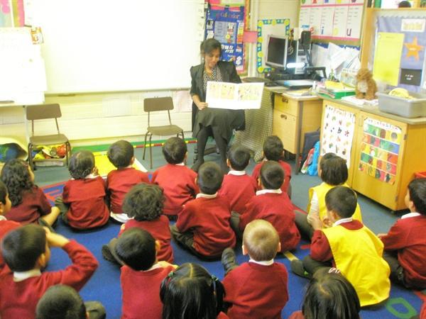 Parents reading bi-lingual stories