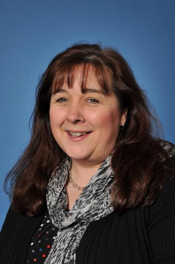 Mrs Karen Lindsay