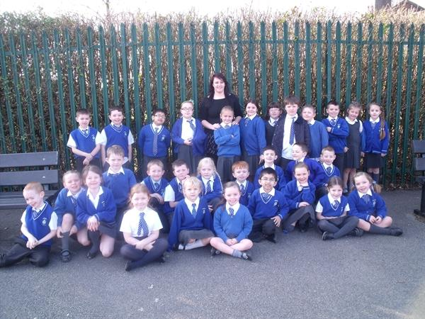Miss Howard with class 4