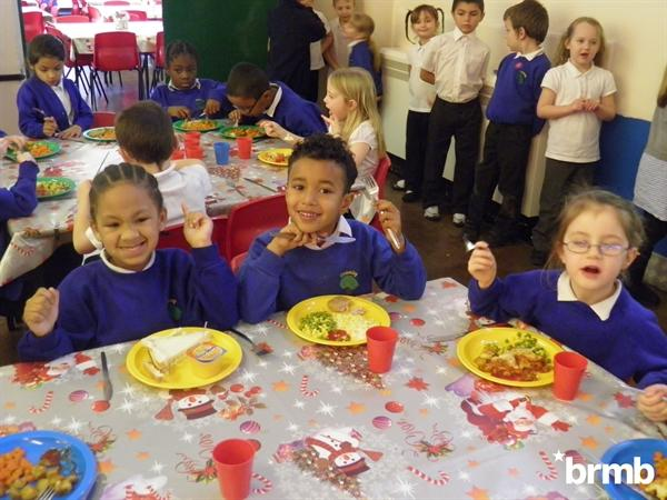 Timberley children at dinner time