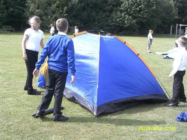 Tent Building - Survival Topic